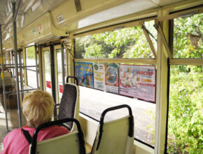 Реклама в трамваях Перми