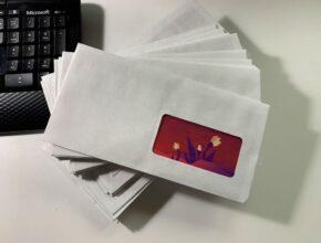 Сборка конвертов с рекламой